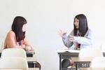 06学生スタッフによる面談の様子
